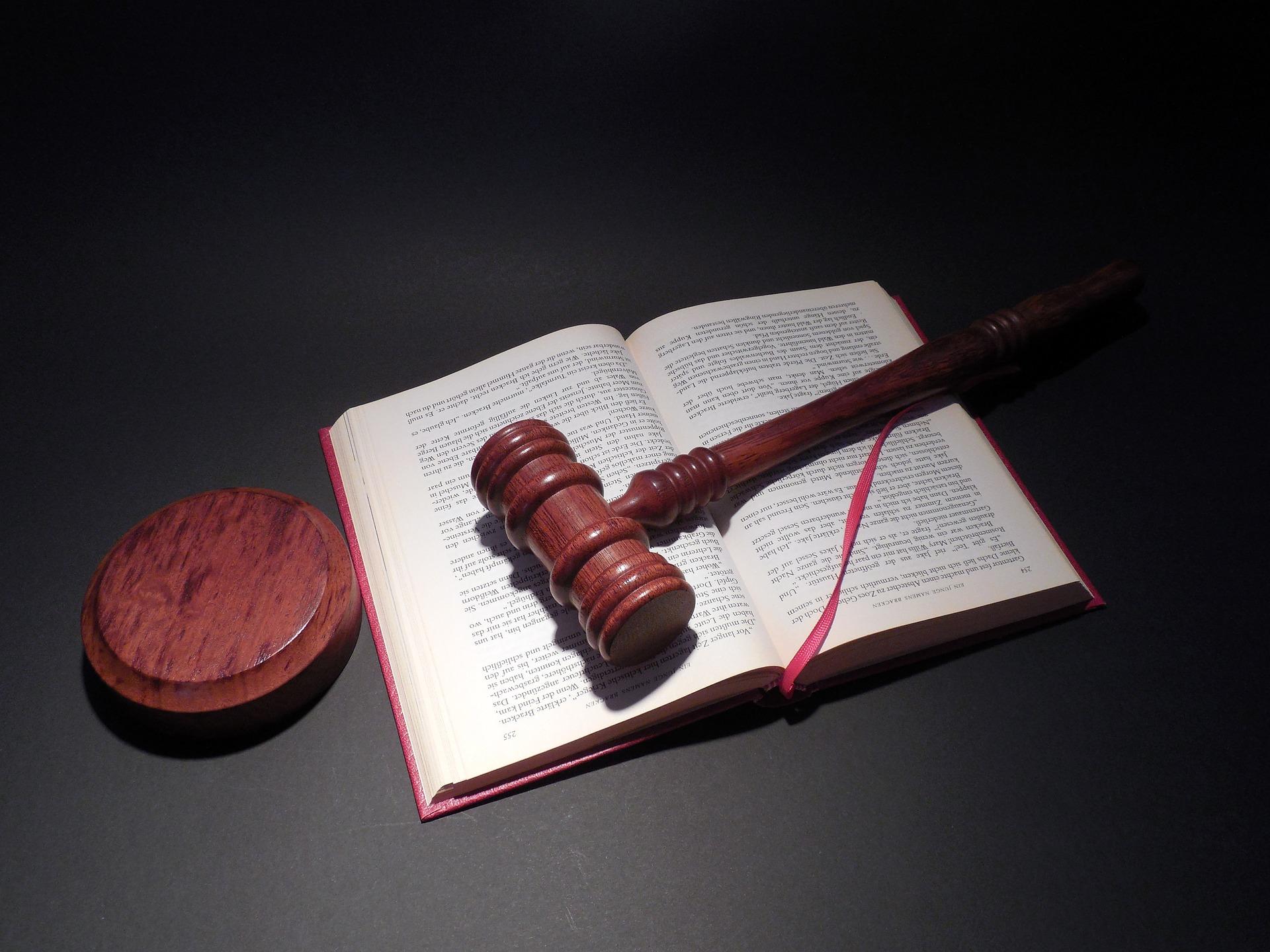 船舶の修繕作業に従事した結果、中皮腫に罹患して死亡した従業員の遺族が提起した訴訟において、元請会社の責任が認められた事例(大阪地裁平成23年9月16日判決)